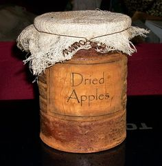 Primitive Pantry Jar Labels and Grungy Can / Jar Instructions Hey, I found this really great Etsy li Primitive Labels, Primitive Crafts, Primitive Christmas, Country Primitive, Rustic Crafts, Country Crafts, Decor Crafts, Pantry Labels, Jar Labels