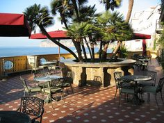 Sorrento Terrace - ocean breeze and view, Hotel Bellevue Syrene