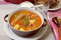 Зимний супчик или европейские щи.: easycooks Cheeseburger Chowder, My Recipes, Thai Red Curry, Veggies, Soup, Ethnic Recipes, Vegetables, Soups, Vegetable Recipes