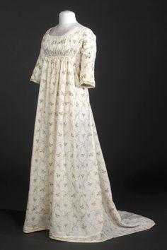 c.1800 empire line dress: cotton & silk with metal threads : ref MTIB 144495: Museu del Disseny de Barcelona