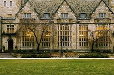 Pictures and Images of New Haven: Yale University Campus, - Autore: Robert Bale College List, College Campus, College Fun, College Basketball, College Agenda, Brown University Campus, College Movies, Espn College, College Uniform