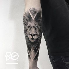 "940 Likes, 16 Comments - Robert Pavez (@ro_tattoo) on Instagram: ""By RO. Robert Pavez • Lion VII • Now taking Bookings 2017: robert@roblackworks.com ⚫️ Please! Do…"""