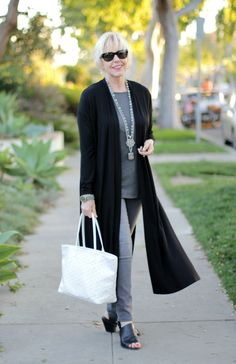 Long-over-lean is a silhouette that works well with my shape and short stature. Here, I've styled a lightweight duster cardigan over slim jeans.