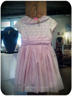 Adorable Girls Pretty Lilac Party Dress!    FOR SALE at Portland Flea-For-All!!!