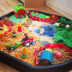 Sensory farm tuff spot- use cereals, sawdust, twigs and straw Eyfs Activities, Nursery Activities, Preschool Activities, Outdoor Activities, Sensory Tubs, Sensory Play, Tuff Spot, Tuff Tray, Small World Play