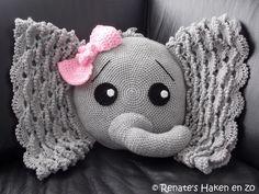 Gehaakt Olifant kussen (met link naar patroon) / crochet Elephant cushion (with link to pattern)