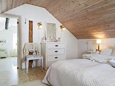 stunning attic-bedroom-
