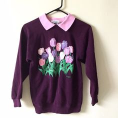 Rare vintage small peekaboo collar floral sweater In pristine condition!! Super cute and stylish!! Made in USA!! Quality Vintage Sweaters