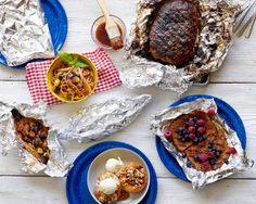 From French toast and grilled peaches to meatloaf and spaghetti, the options for outdoor dining are endless. Follow these easy recipes from Food Network Kitchen to prepare healthy foil packs for any meal.