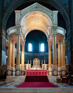 Interior of Westminster Cathedral Londres U. Altar, Westminster Cathedral, Byzantine Architecture, London United Kingdom, Church Interior, Concrete Jungle, Place Of Worship, British History, Kirchen