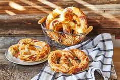 Imádnivaló pizza perec Izu, Other Recipes, Meal Prep, Shrimp, Food And Drink, Meat, Cakes, Google, Inspiration