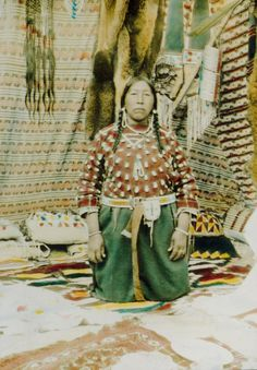 Crow Indians Women | Crow Absorkee Apsaalooka, Crow Reservation, Montana, Indian Peoples ...