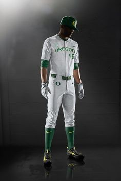 This is the new uniforms for the University of Oregon. The ducks are wearing a very modern type of uniform. Compared to Mississippi State, the uniform is a lot less traditional.