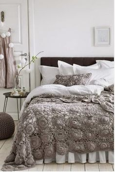who thought we could like crochet again, love this in grey
