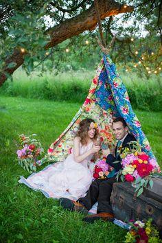 Colorful Farm Wedding Inspiration - www.theperfectpalette.com - Costamagna Design, Ayres Photography