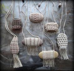 En venta, collar de artista, punto cordón, río piedra, Fringe, calamar, hecho a mano, tiempo, naturaleza, Tribal, bohemio, Monicaj