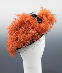 Kathleen, inc. hat ca. 1943 via The Costume Institute of The Metropolitan Museum of Art 1940s Fashion, Vintage Fashion, Vintage Style, 1940s Hats, 1930s, Feather Hat, Crazy Hats, Costume Collection, Love Hat
