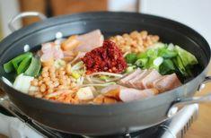 부대찌개 양념장 레시피굵은 고추가루100g 고운청양고추가루20g 쇠고기다시다10g 미원10g 맑은액젓30g 간마... K Food, Korean Food, Korean Recipes, Cobb Salad, Rice, Meat, Cooking, Ethnic Recipes, Pickles