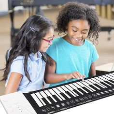 Regardless of your age or skill level, this roll-up piano makes for a great gift idea. Shop Hand roll portable piano only on Exalt club. Portable Piano, Easy Rolls, Electric Piano, Keyboard Piano, The Black Keys, Big Black, Hand Roll, Gel Color, Piano Lessons