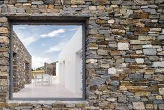 Hug House / React Architects