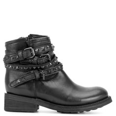 Ash Short Biker Boots With Buckles and Studs (112.410 HUF) ❤ liked on Polyvore featuring shoes, boots, ankle booties, black, ankle boots, short black boots, short boots, buckle ankle boots and short black booties