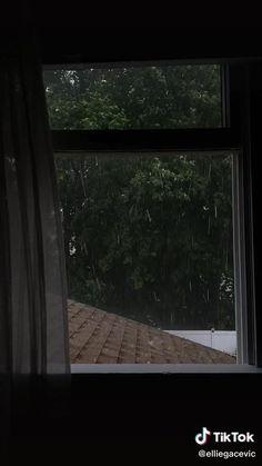 Cozy Rainy Day, Rainy Mood, Rainy Night, Rainy Weather, Rainy Days, Rain Photography, Aesthetic Photography Nature, Cozy Aesthetic, Night Aesthetic