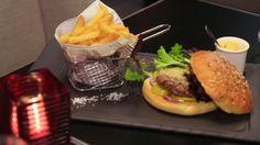 Le #burger du meating bar à Viande à Boulogne doit sa saveur à la qualité des viandes ! http://www.restovisio.com/restaurant/meating-bar-a-viande-2776.htm#pictures