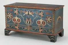 painted, decorated yellow pine blanket chest possibly by Johannes Spitler Massanutten, Page County, VA Painted Trunk, Painted Chest, Painted Boxes, Hand Painted Furniture, Art Furniture, Wooden Boxes, Antique Furniture, Furniture Design, Southern Furniture