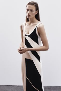 http://www.style.com/slideshows/fashion-shows/resort-2016/narciso-rodriguez/collection/7