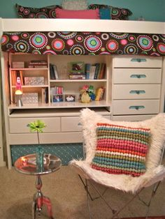 teen's room ... Like loft bed / drawers combo = space saver