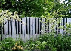 Garden: Awesome Picture Of Decorative Black And White Piano Toots Wooden Garden Fence For Garden Landscaping Decoration, cheap garden fencing panels, picket fencing uk ~ coolhousez - Inspiring Home Interior And Exterior Design Ideas Cerca Diy, Fence Design, Garden Design, Landscape Design, Touches De Piano, Diy Fence, Fence Ideas, Garden Ideas, Fence Art