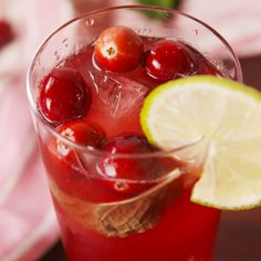 Cranberry Mojitos is the holiday drink you need. #food #instagood #ideas #easyrecipe #recipe #holiday #christmas #forkyeah #wishlist #inspiration