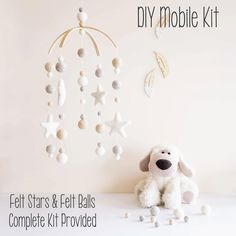 Creative Tuesday nursery mobiles Find the brand at Kids Interiors Diy Cot Mobile, Baby Crib Mobile, Baby Cribs, Mobile Mobile, Hanging Mobile, Do It Yourself Baby, Diy Nursery Decor, Decor Diy, Diy Crib