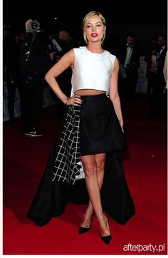 Laura Whitmore wearing La Mania's set at the National Television Awards in London!