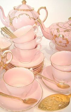 Pink and - Tea Set - Ideas of Tea Set - . Pink and gold tea-set love vintage tea sets . Tee Set, Teapots And Cups, Best Tea, My Cup Of Tea, Tea Service, Chocolate Pots, Vintage China, Tea Cup Saucer, High Tea