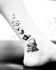 "118 Likes, 9 Comments - Cactuna Tatuajes (@cactuna) on Instagram: ""Libros #book #booktattoo #tattoo #legtattoo #birdstattoo #birdtattoo #blackandwhite #blackwork…"""