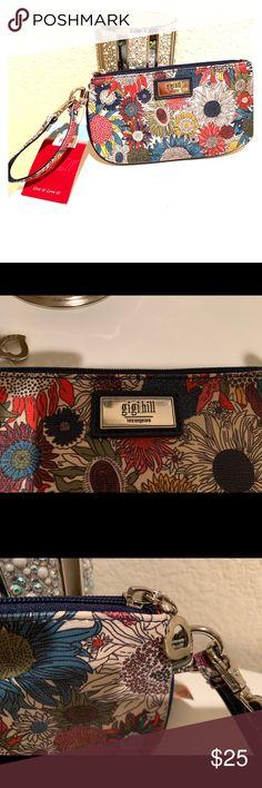 2024248c69 New Gigi Hill Wristlet Zipper Purse New Gigi Hill Wristlet Zipper Purse 3  Card slots inside