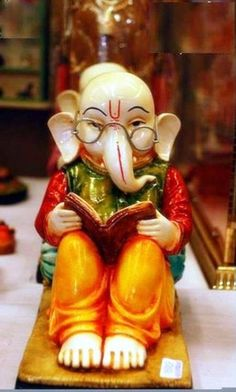 Gearing up for Ganesh Chaturthi peeps! Ganesh Lord, Shri Ganesh, Ganesha Art, Lord Krishna, Ganesha Pictures, Ganesh Images, Happy Ganesh Chaturthi Images, Ganesh Photo, Saraswati Goddess