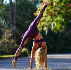 Keeping up with good Yoga Postures Yoga Flow, Yoga Meditation, Musa Fitness, Yoga Pictures, Yoga Dance, Yoga Positions, Types Of Yoga, Sport Fitness, Yoga Lifestyle