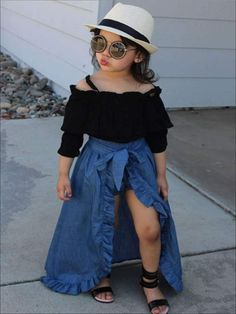 New baby fashion toddlers girl outfits ideas Cute Little Girls Outfits, Dresses Kids Girl, Toddler Girl Outfits, Cute Baby Outfits, Stylish Baby Girls, Cute Kids Fashion, Little Girl Fashion, Toddler Fashion, Fall Fashion