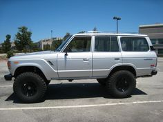 1986 Toyota Landcruiser FJ60 Lifted with Chevy V-8