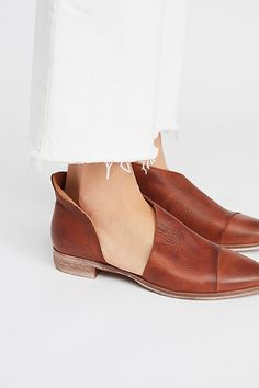 Free People Royale Flat in Whiskey. Free People's sizing suggestion: If you are size choose If you are size choose or Keep in mind, you want the pair to fit snug when first tried on. Brown Flats, White Flats, Whiskey Brands, Look Chic, Leather Flats, Womens Flats, Free People, Women Sandals, Shoes Women