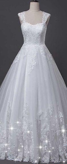 Fantastic Tulle Sweetheart Neckline A-line Wedding Dress With Lace Appliques & Detachable Shoulder Straps