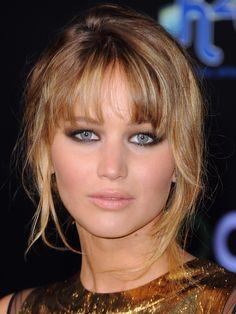 Jennifer Lawrence - Hunger Games premiere LA --   LOVE her eye makeup!