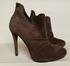 5da7d8a4dda1 NWOB VINCE CAMUTO HIGH HEEL SUEDE ANKLE BOOTIES BOOTS GREY Size 9