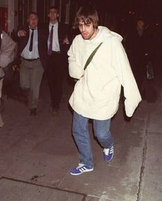 Oasis Band, Liam Gallagher, Britpop, Other People, Mirror, Music, Photography, Style, Musica