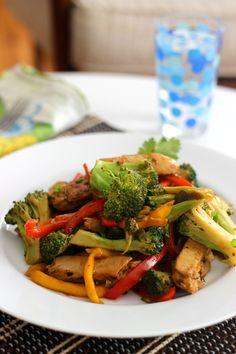 Beyond Meat: Mango Broccoli Stir Fry on http://www.homemadelevity.com/beyond-meat-mango-broccoli-stir-fry/