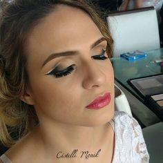 Boa noite!😘 Foto dessa make que fiz, tô apaixonada, amo essa técnica.😍 Ah! Tem post lá no blog, link clicável no face.  #Blogs #BoaNoite #Blogger #AmoMaquiar #InstaBlog #Makeup #BloggerAju #Maquiadora #DoubleCutCrease #Makeup #GoodNight #MakeNoite #Maquiagem #MaquiadorAju #AracajuBlogs #Blog #InstaBlogger #InstaBeauty #AmoMeuTrabalho #InstaAju  #Maquiadora #maquiagemx #maquiagembrasill