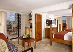 Aqua Bamboo Waikiki's Suite provides ample space to relax on your stay. #waikiki #hawaii #aquahotels #aquabamboowaikiki