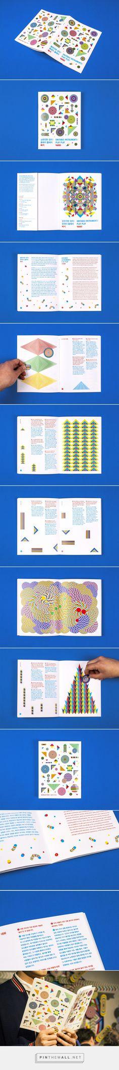 Poster, leaflet and ticket design for Daelim Museum D-PROJECT SPACE UNSTABLE INSTRUMENTS: PLAY PLAY VAKKI 대림미술관 구슬모아 당구장의 2015년 두번째 전시인 <불완전한 장치: 플레이 플레이 빠키>를 위한 포스터, 티켓, 그리고 리플렛을 디자인하였습니다.